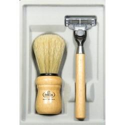 photo de Coffret de rasage OMEGA bois de frêne, rasoir Mach3 + blaireau soie